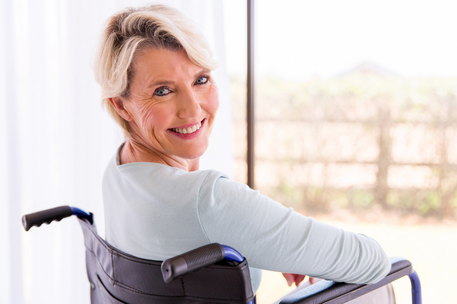 aide-a-domicile-autonomie-douce-heure-sclerose-en-plaques-niort